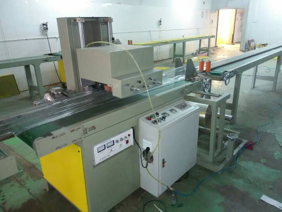 Wood grain film sealing machine